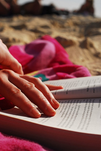 5 Tips to Support Students Struggling with Summer Reading
